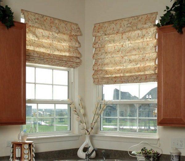 1-roman-blinds-kitchen-interior