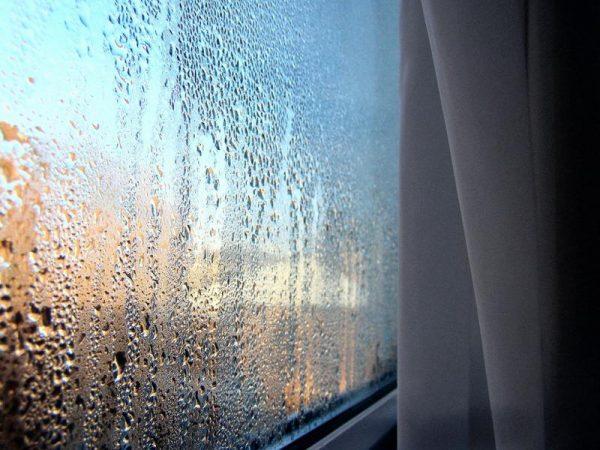 zapotevshee-okno