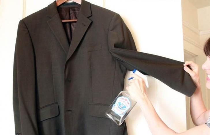Картинки по запросу водка Поможет освежить одежду