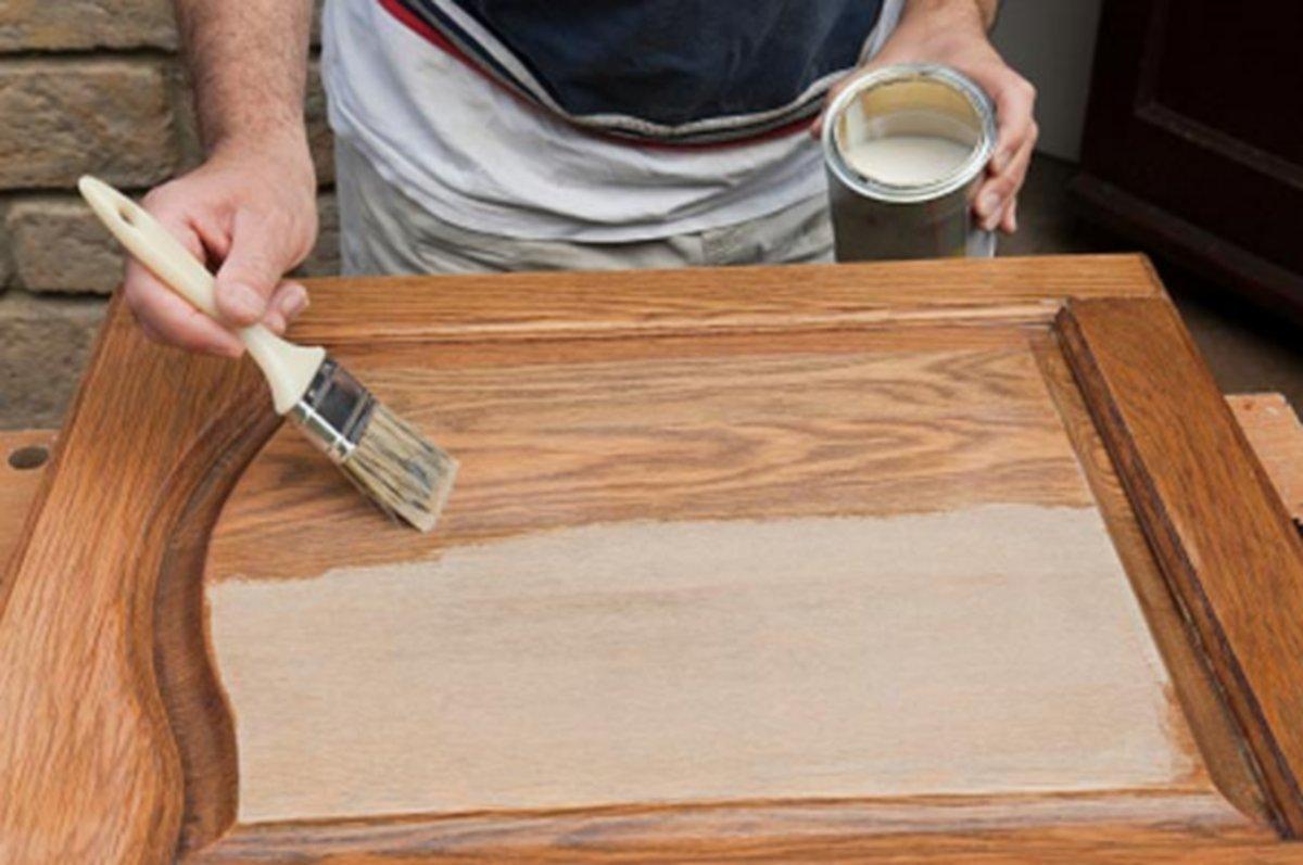 Картинки по запросу Покраска деревянного дома своими руками