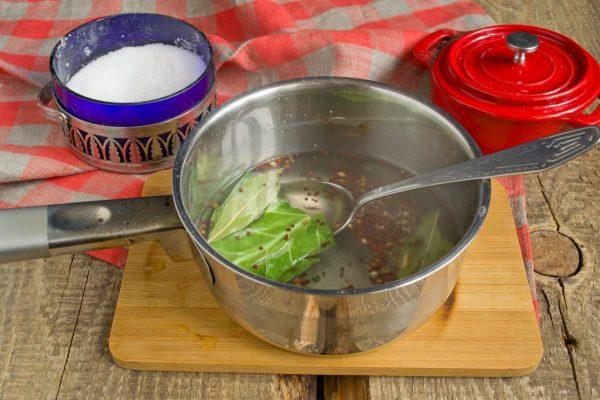 salat-na-zimu-sladkie-ogurchiki-13