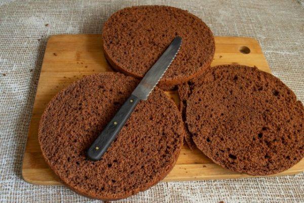 shokoladnyiy-tort-s-zavarnyim-kremom-08-640x427