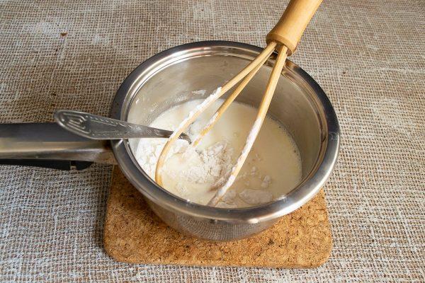 shokoladnyiy-tort-s-zavarnyim-kremom-11