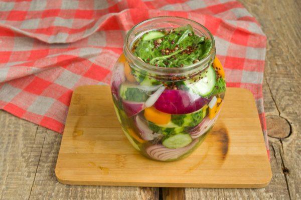 salat-na-zimu-sladkie-ogurchiki-14