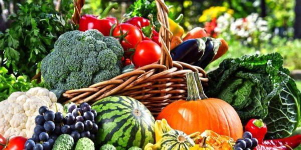 zelen-vinograd-frukty-abloki-1280x640
