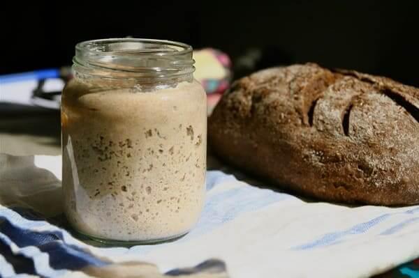 Выпекаем домашний ржаной хлеб без дрожжей на закваске. Все очень просто!
