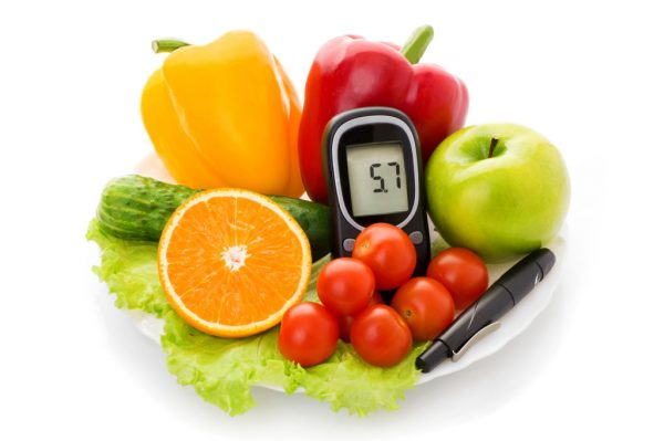 glucometer-and-healthy-food-1024x681