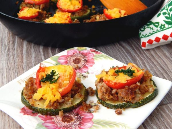 kabachki-s-farshem-v-duxovke-s-pomidorami-recept-s-foto_1540325387_9_max