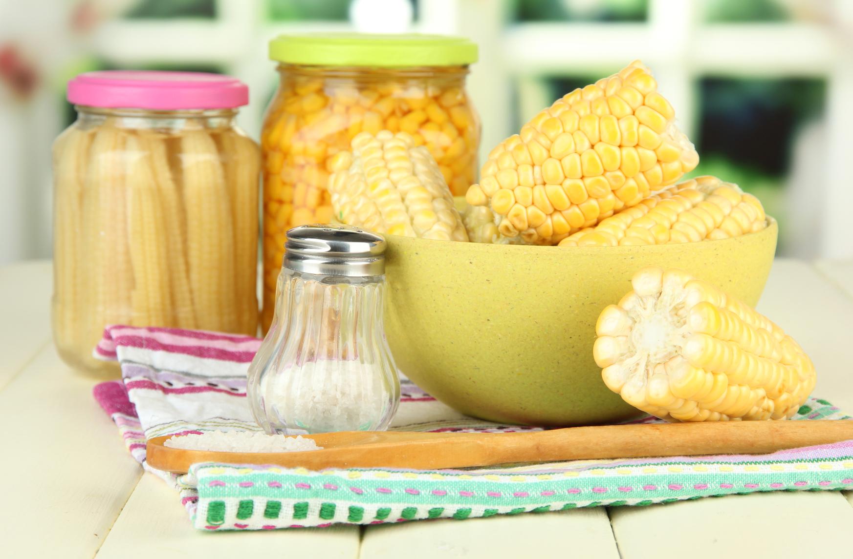 Картинки по запросу Полезная и вкусная кукуруза — как правильно варить, запекать и замораживать?