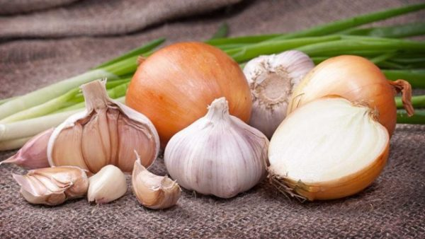 onion-and-garlic-01-640x361