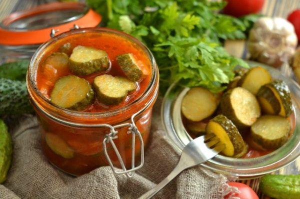 salat-iz-ogurtsov-na-zimu-prostoj-1