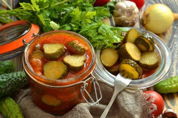 salat-iz-ogurtsov-na-zimu-prostoj-11