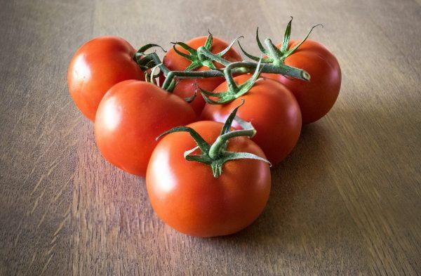 tomatoes-1711612_1280-1-e1487754985277