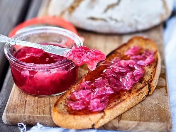 varene-iz-lepestkov-chajnoj-rozy-recept-s-foto-1