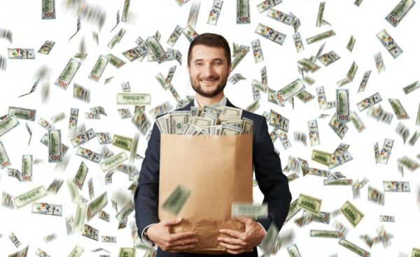 Tips-Trik-Mendapatkan-Uang-Melimpah-di-Internet-750x460-1