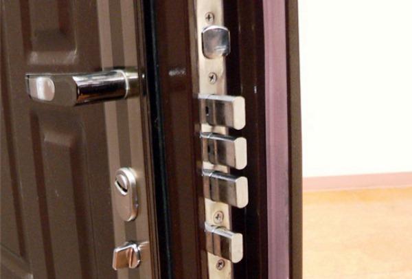 ustanovka-vhodnoy-dveri-svoimi-rukami-11