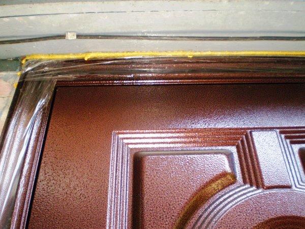 ustanovka-vhodnoy-dveri-svoimi-rukami-5