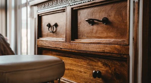 Самые частые проблемы в квартире для хозяев: как быстро починить провод, привести в порядок мебель и многое другое