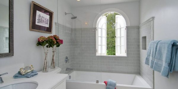 Как сделать санузел идеальным? Несколько советов, которые помогут правильно разместить вещи в ванной
