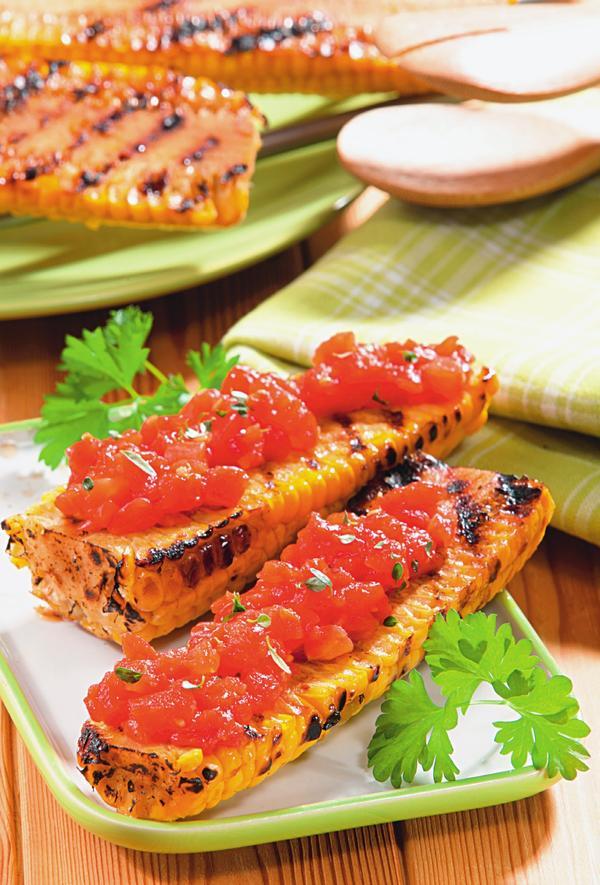 Kukuruza-s-tomatami-i-timyanom