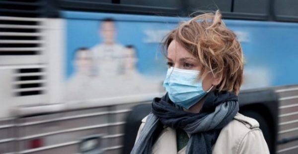По какой причине большинство из нас носит медицинские маски не той стороной