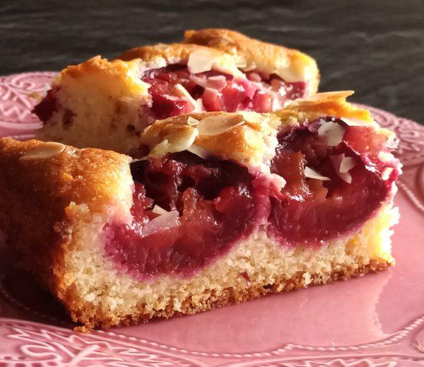 Пирог со сливами и марципаном: cookingoffroad — LiveJournal